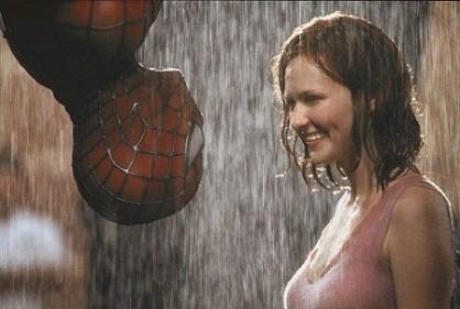 I superhjältefilmen Spider-Man 2 (2004) går det inte att förneka den romantiska kyssen mellan Spider-Man och Mary Jane Watson.